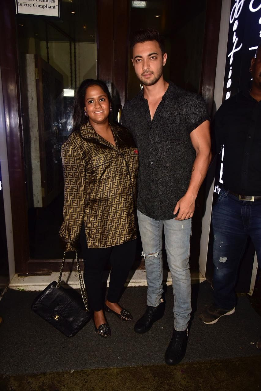 Yesterday Arpita Khan Sharma was spotted with husband Aayush Sharma at Bastian in Bandra for dinner.