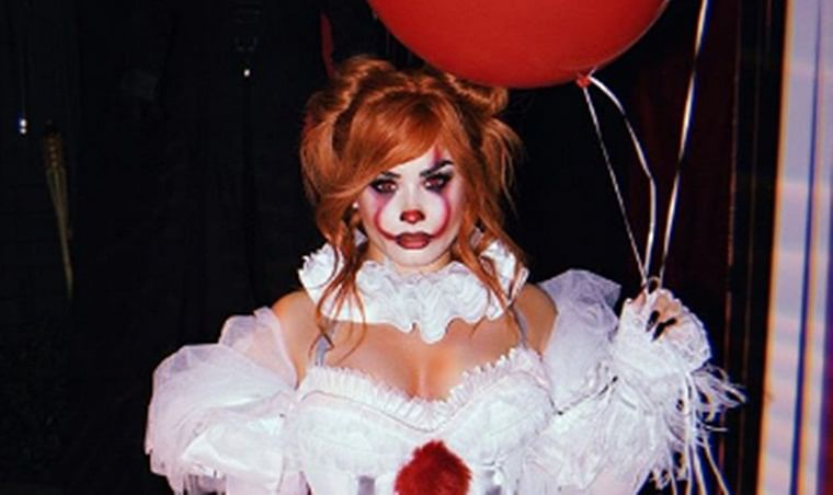Demi Lovato turns into a sexy version of 'Pennywise the Clown' for Halloween