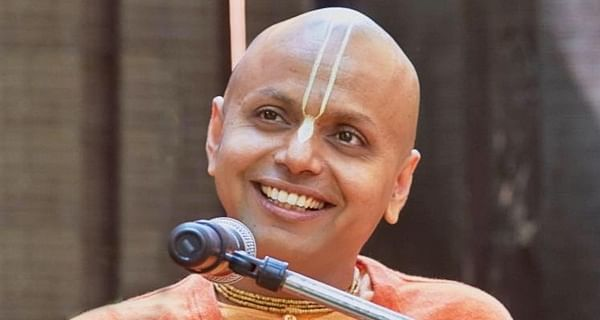 Indore: Achievement is not success, never give up & you will go up; Swami Gaur Gopal  Das