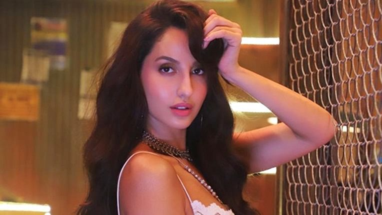 Watch Nora Fatehi Sizzle In Marjaavaan New Song Ek Toh Kum Zindagani
