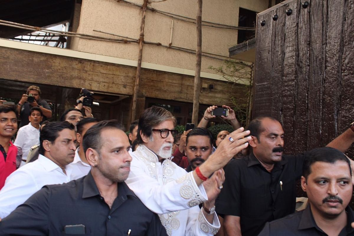 Amitabh Bachchan greets thousands of fans outside his residence 'Jalsa' on 77th birthday