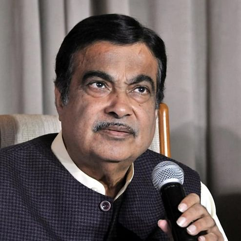 Maha Election 2019: Nitin Gadkari prophesies Fadnavis' return, says BJP-Sena will smash records