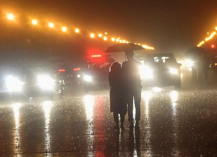 Heavy rains, hailstorm wreak havoc in Delhi; traffic congestion, waterlogging disrupt normal life