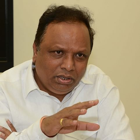 Ashish Shelar extends hand to Sena, says BJP ready if Cong-NCP leaves