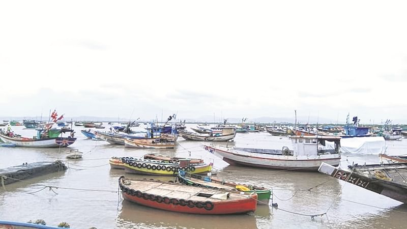 Choppy weather hits fish catch, fishermen demand relief