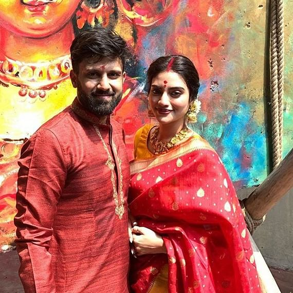 Durga Puja 2019: Nusrat Jahan plays 'Dhak', offers prayers with husband Nikhil Jain