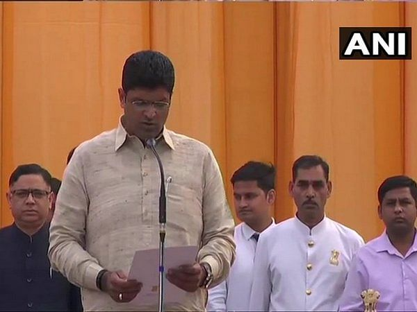 Haryana: Dushyant's family attends swearing-in ceremony
