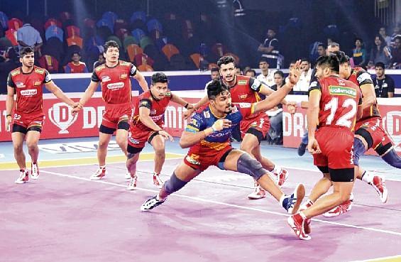 Pro Kabaddi League:Bengaluru Bulls in Semis