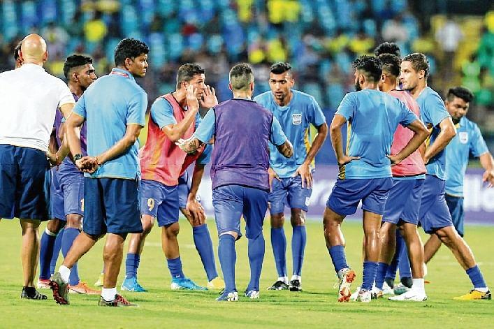 Indian Super League: All ears, Mumbai set eyes on Chennai dare