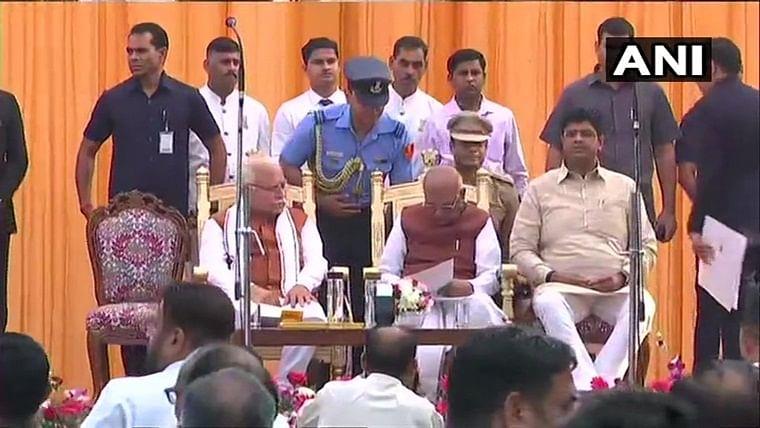 Khattar, Chautala take oath as Haryana CM, Deputy CM, PM offers congratulations