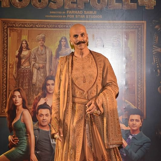 Akshay Kumar's got the look!