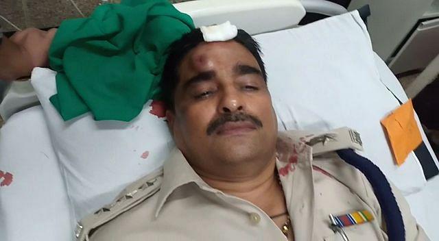 Indore: CSP Parihar injured as he separates violent Banjara men