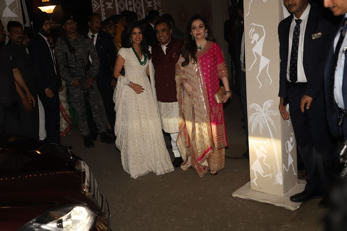 Mukesh, Nita Ambani and Radhika Merchant attend Bachchans' Diwali bash
