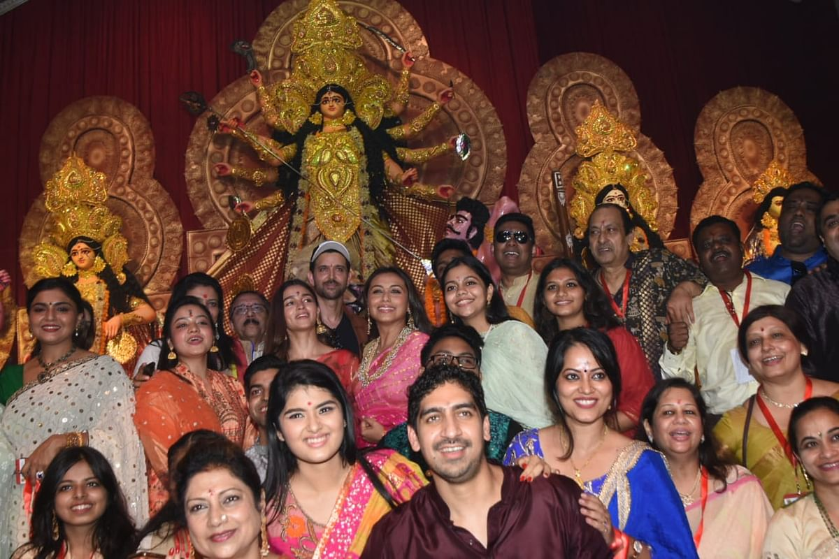 Ayan Mukerji, Rani Mukerji, Alia Bhatt and Hrithik Roshan all in one frame at Durga Puja Pandal