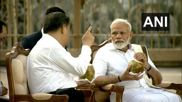 Peripatetic Modi turns tour guide for Xi Jinping in Mamallapuram