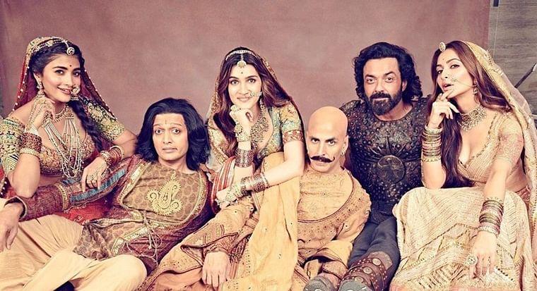'Housefull 4' inflating box office figures? Twitter wonders how Akshay Kumar flick raked in Rs 87.78 crore