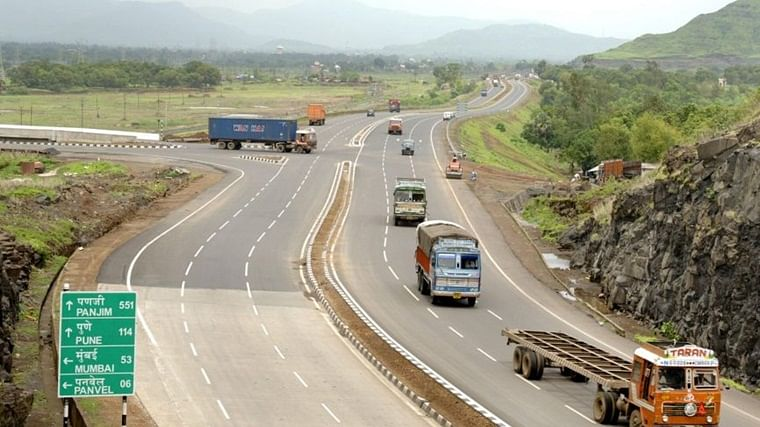 Mumbai-Pune Expressway to remain closed for two hours today