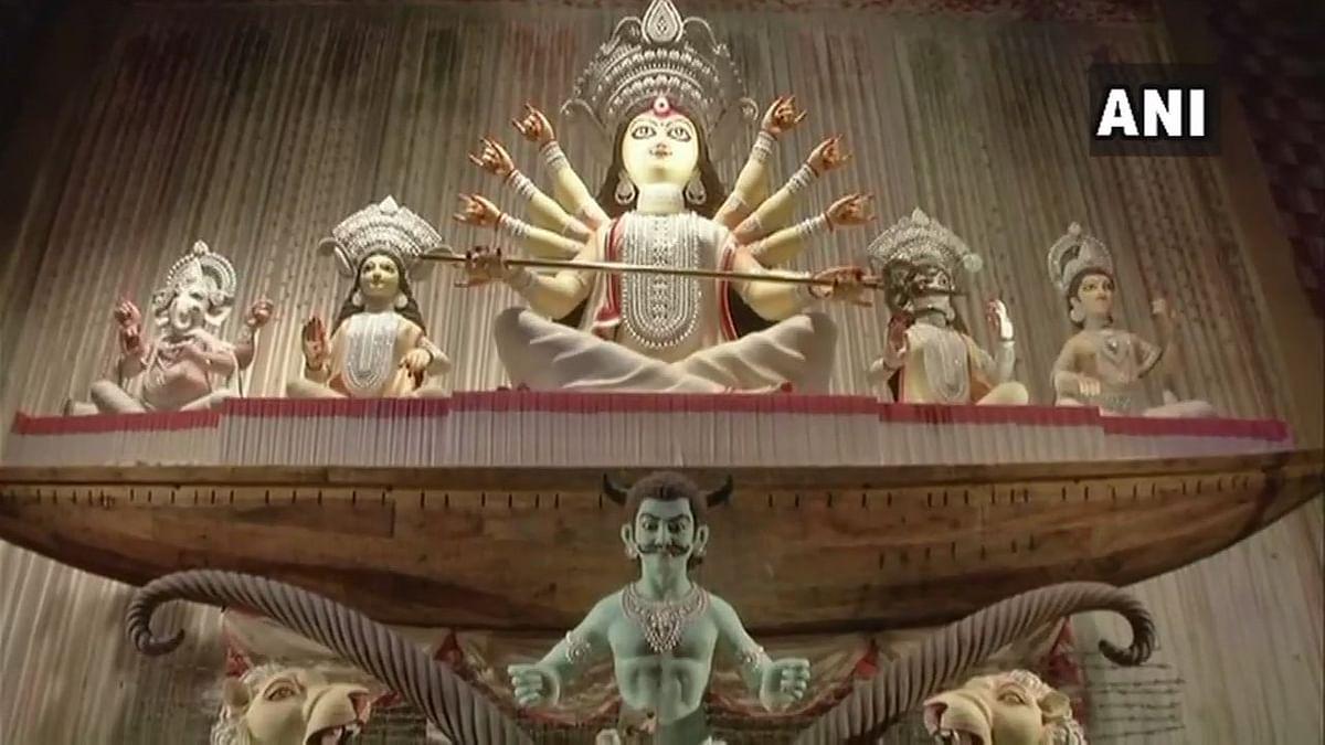 2018 images of Kolkata Durga Puja theme