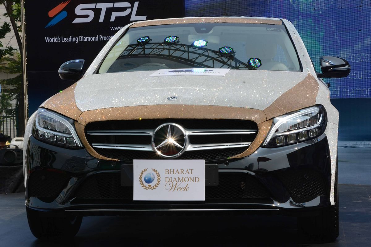 Mercedes-Benz mulls price hike to offset impact of currency volatility
