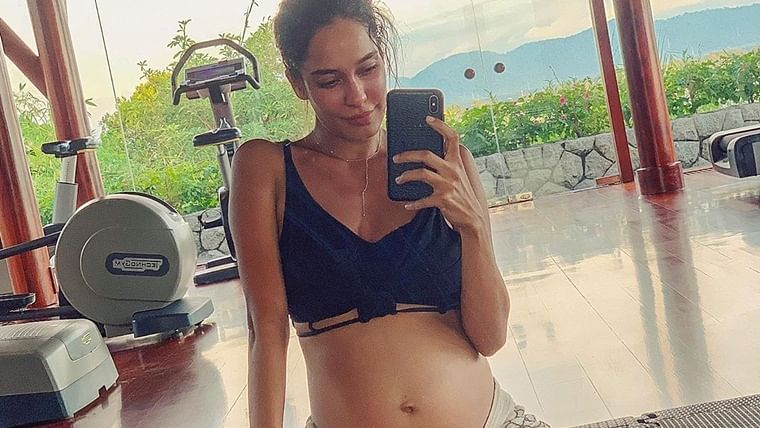Mom-to-be Lisa Haydon shares her 'lazy pregnancy' pictures