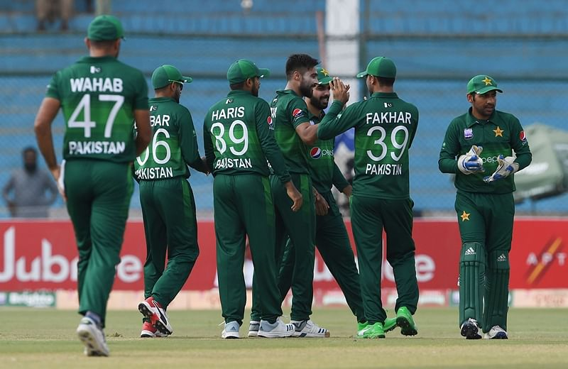 Pakistan thrashes Sri Lanka by 5 wickets in 3rd ODI to seal series