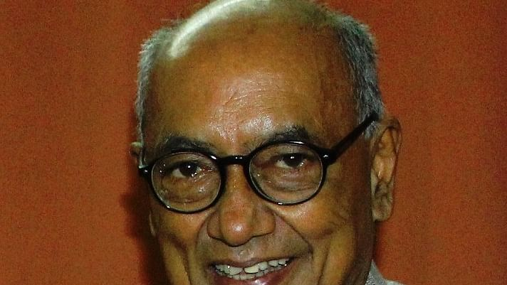 Wrong policies will lead to economic  collapse of country: Digvijaya Singh