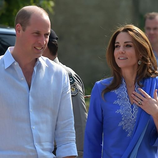 Plane carrying UK royal couple to Islamabad returns to Lahore due to bad weather
