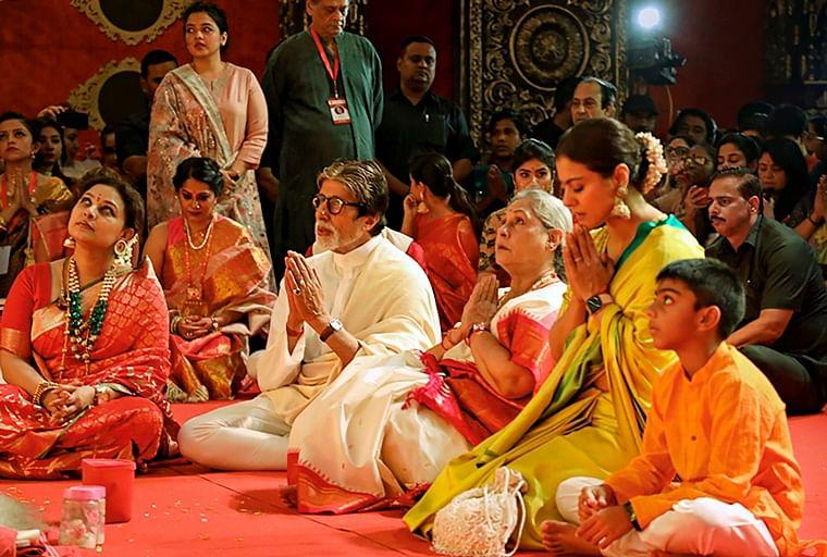 Amitabh, Jaya, Kajol and Yug perform Puja