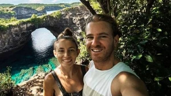 Australian travel bloggers released from Iran jail