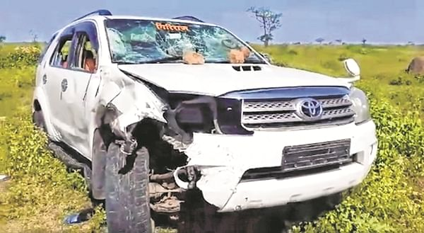 Biker hit by Minister's car dies in Solapur district