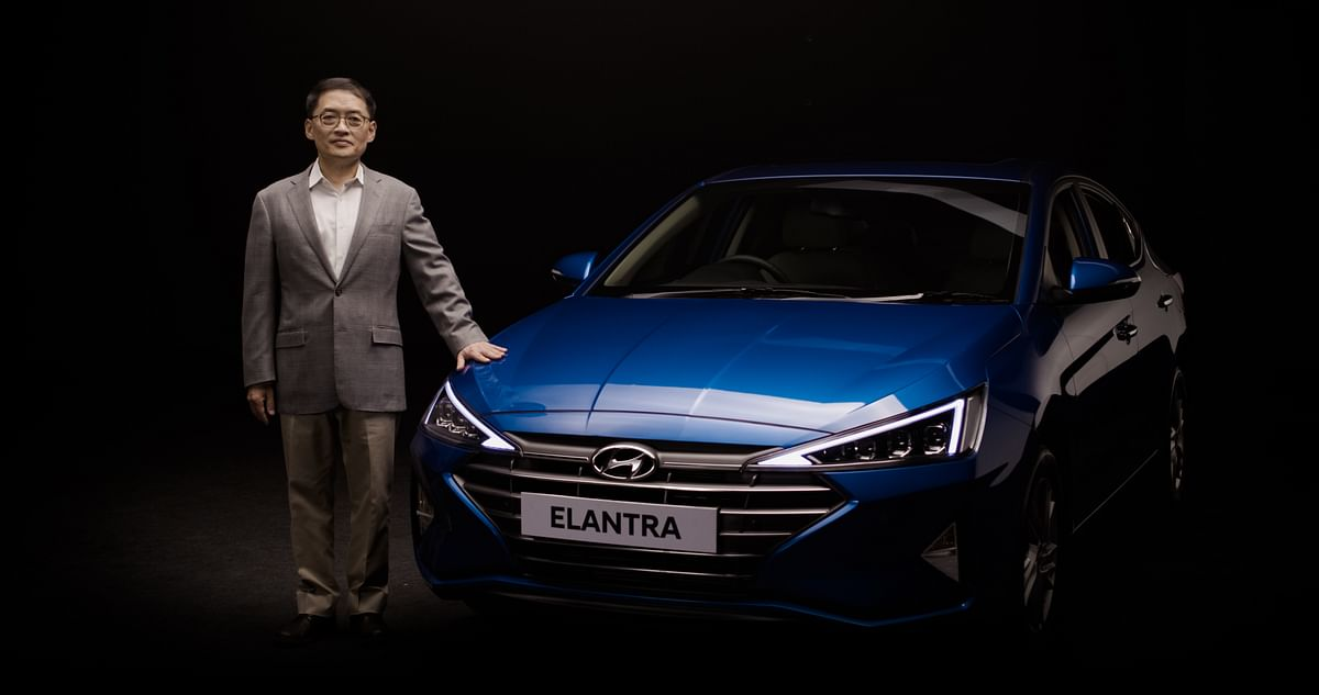 Hyundai launches India's First Fully Connected and Hi-Tech Premium Sedan New 2019 Elantra