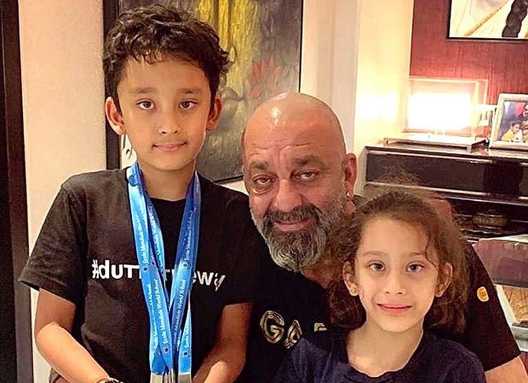 Sanjay Dutt with his twins Shahraan & Iqra