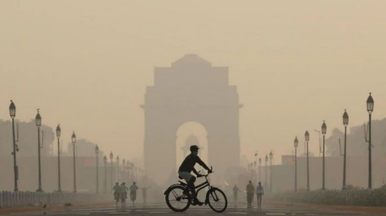 Air quality remains 'poor' across Delhi over Diwali weekend