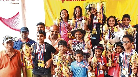 Ronak Sawant, Palak Joshi rule the pool
