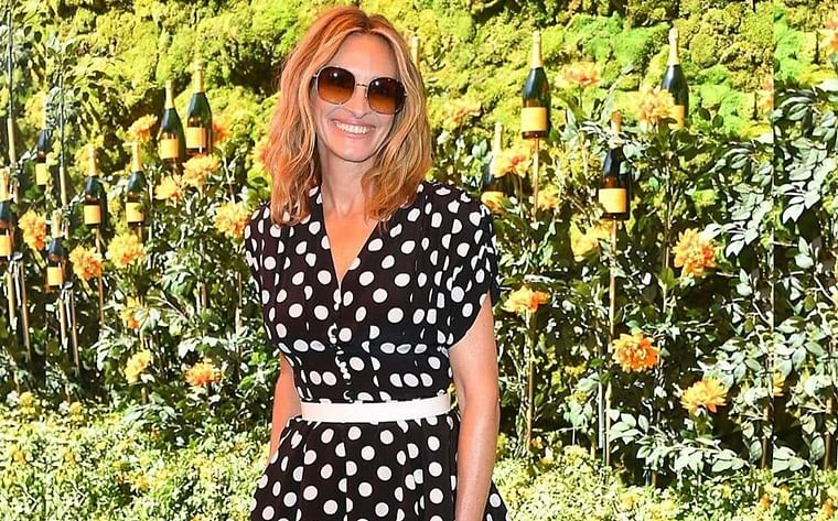 Julia Roberts brings back 'Pretty Woman' in polka dot ensemble