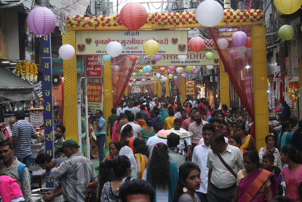 Indore: Dhanteras buying drives away gloom