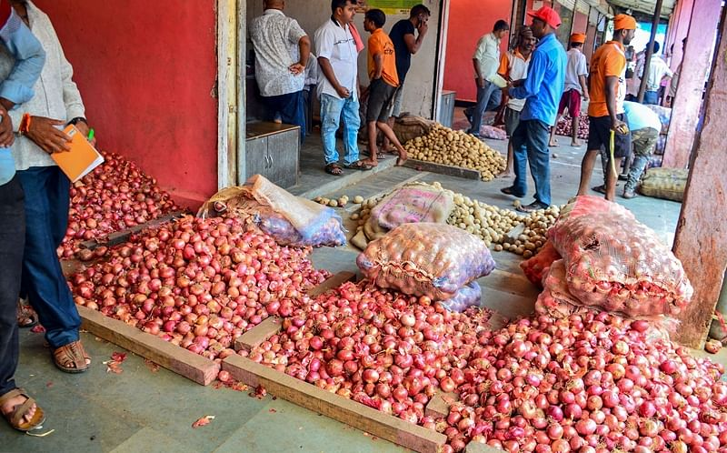 Lasalgaon onion prices near record high as rains hit supply