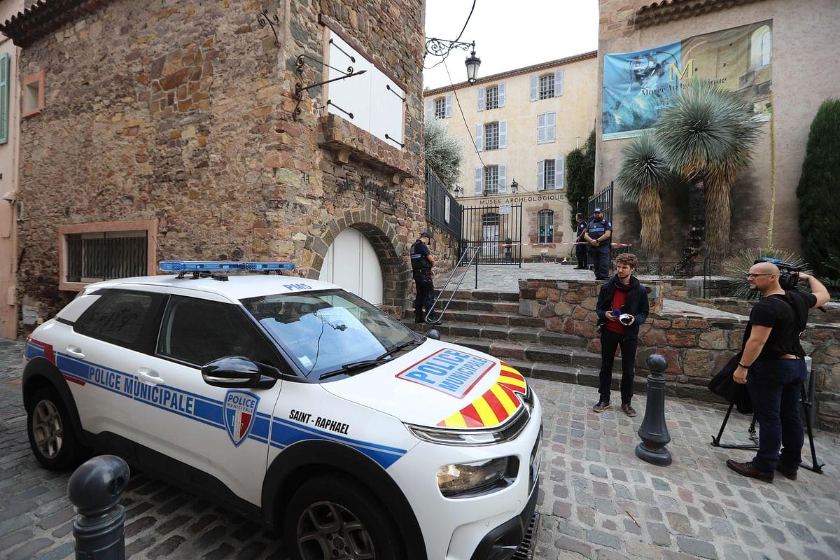 Man holes up at France museum, gets arrested