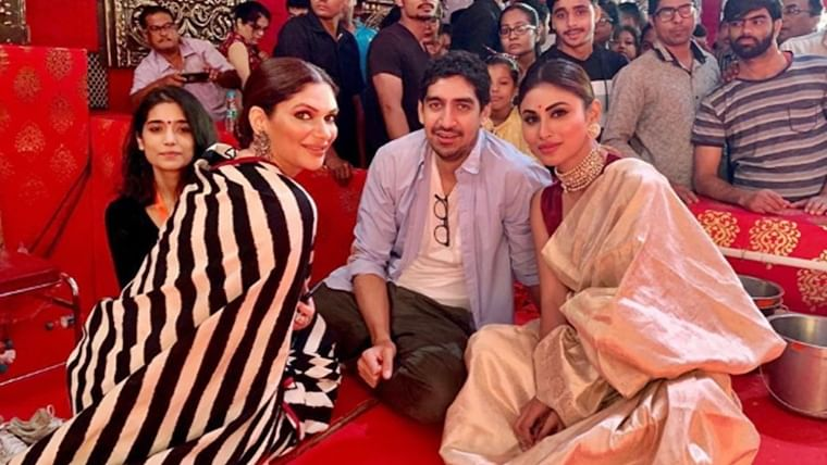 Durga Puja 2019: Candid pics of Mouni Roy and Ayan Mukherji on Shubho Nabami