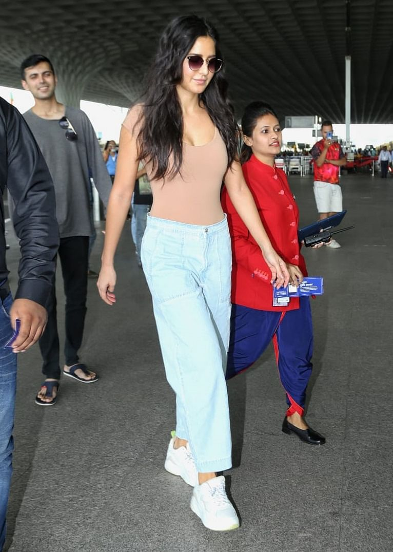 Katrina Kaif suffers wardrobe malfunction, has a nip slip at the airport