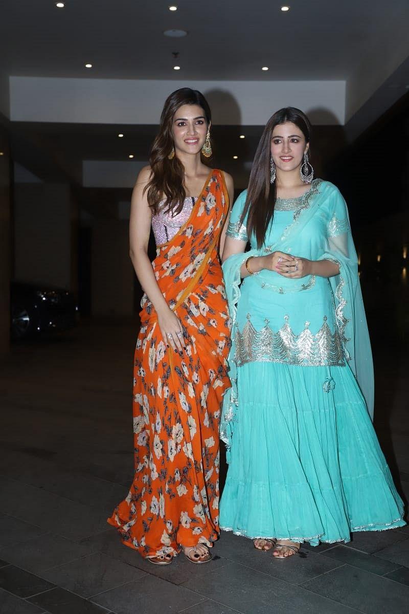Kriti Sanon with sister Nupur Sanon