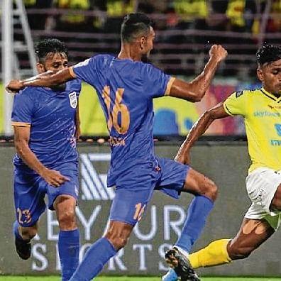 Mumbai have a blast, earn a hard-fought victory over Kerala