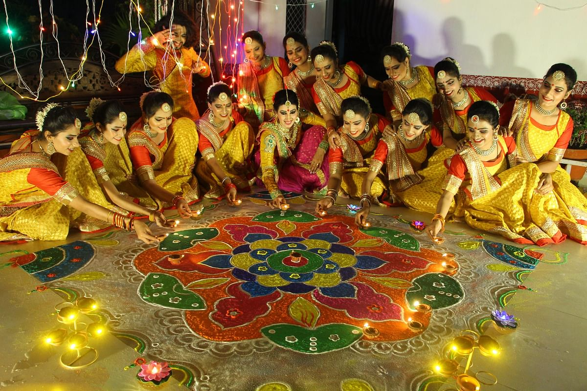 Indore: People have a blast this Diwali dressing up, feasting