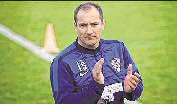 Igor Stimac to try many players against North East United
