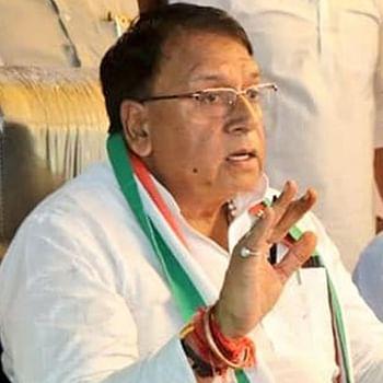 Roads in MP are like Kailash Vijayvargiya cheeks, will make them like Hema Malini's cheeks: State Minister