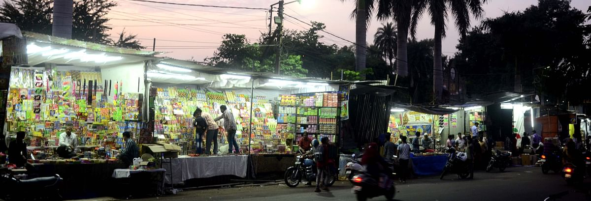 Bhopal: Rules go up in smoke at firecracker shops
