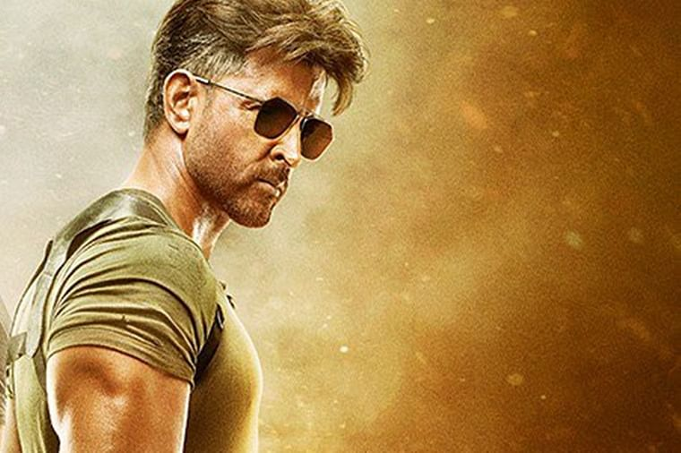 Twitterati can't stop ogling at Hrithik Roshan's extremely chiselled look in War