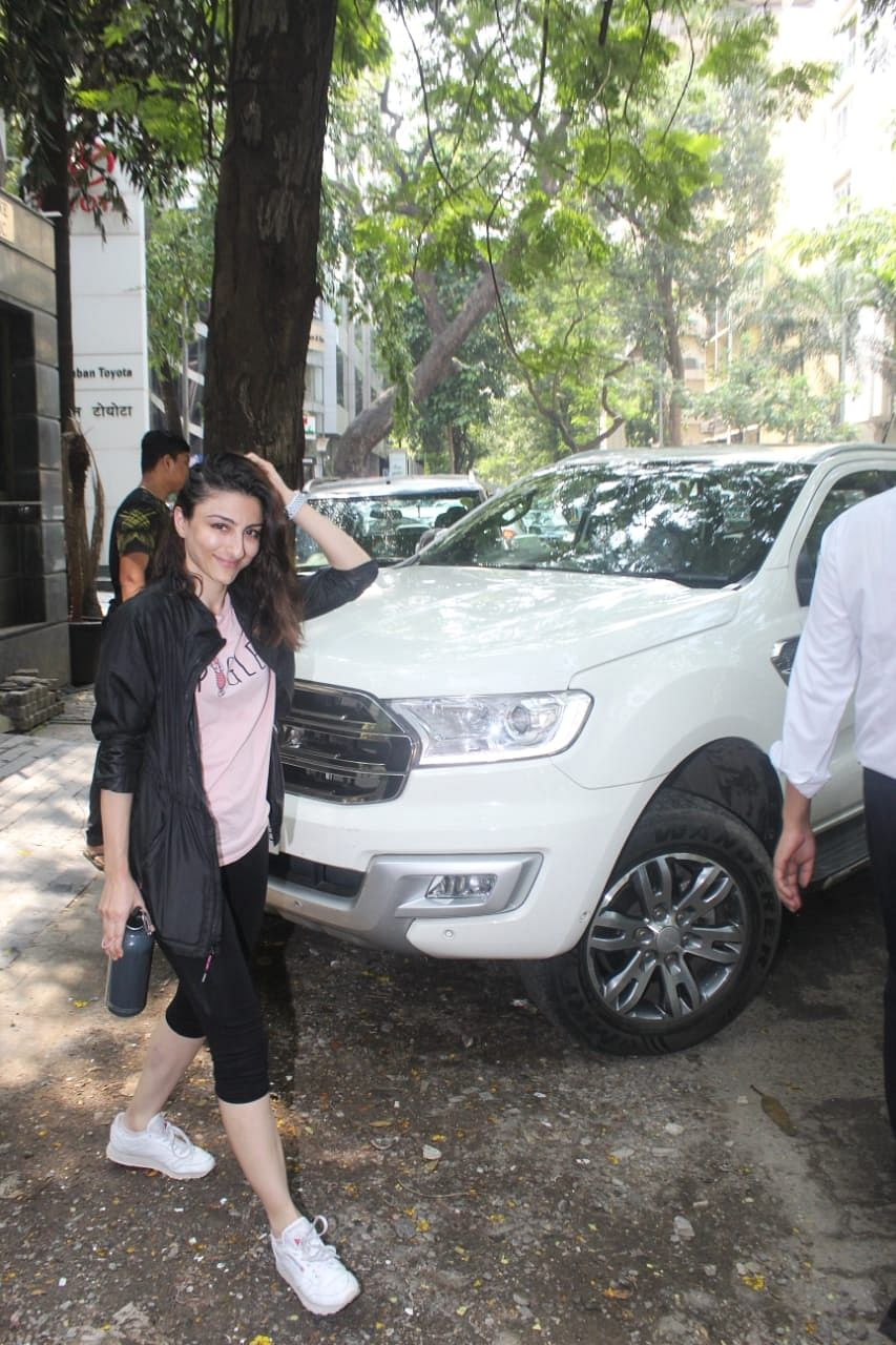Birthday girl Soha Ali Khan accompanied husband Kunal at gym.