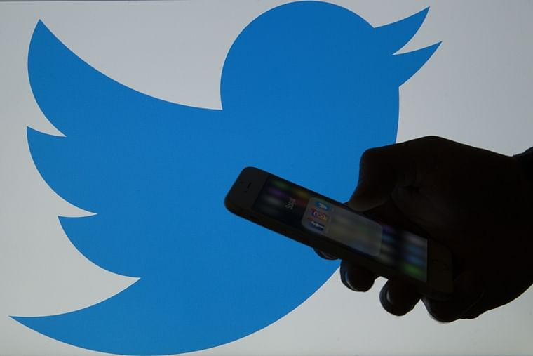 Twitter and TweetDeck suffer global outage, Twitteratis go crazy