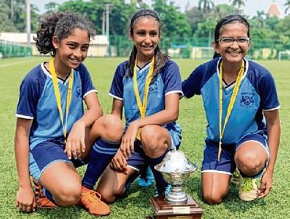 Sera Mathias, Shreya Ravuri and Aashvi Mehta